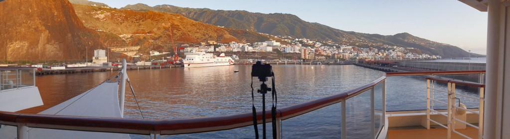Entrando en el puerto de Santa Cruz de La Palma.